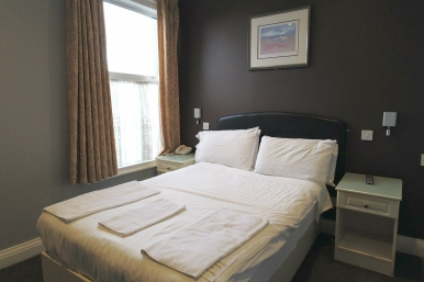 Single room at room at Boston Manor Hotel